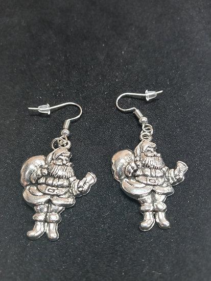Detailed Santa earrings