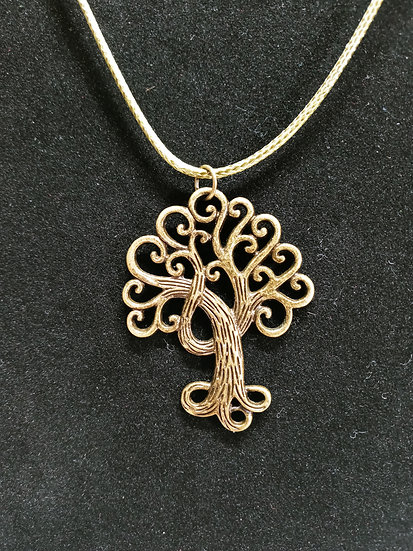 Detailed curly tree necklace