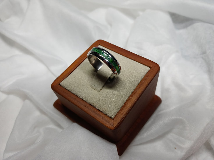 Stainless steel ring w dragon scale opals, Malecite, and glow powders