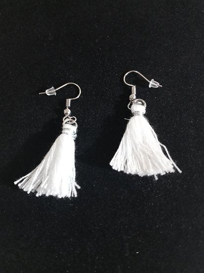 Dangly string earrings (white)