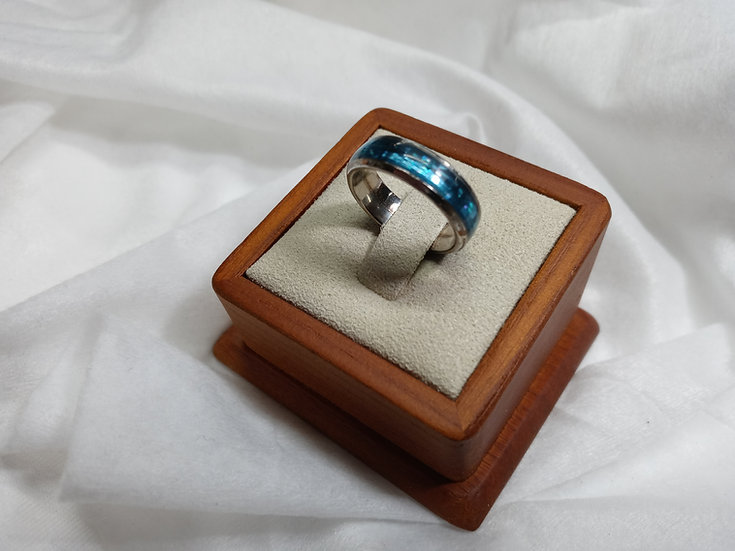 Stainless steel ring w/ blue glitter inlay