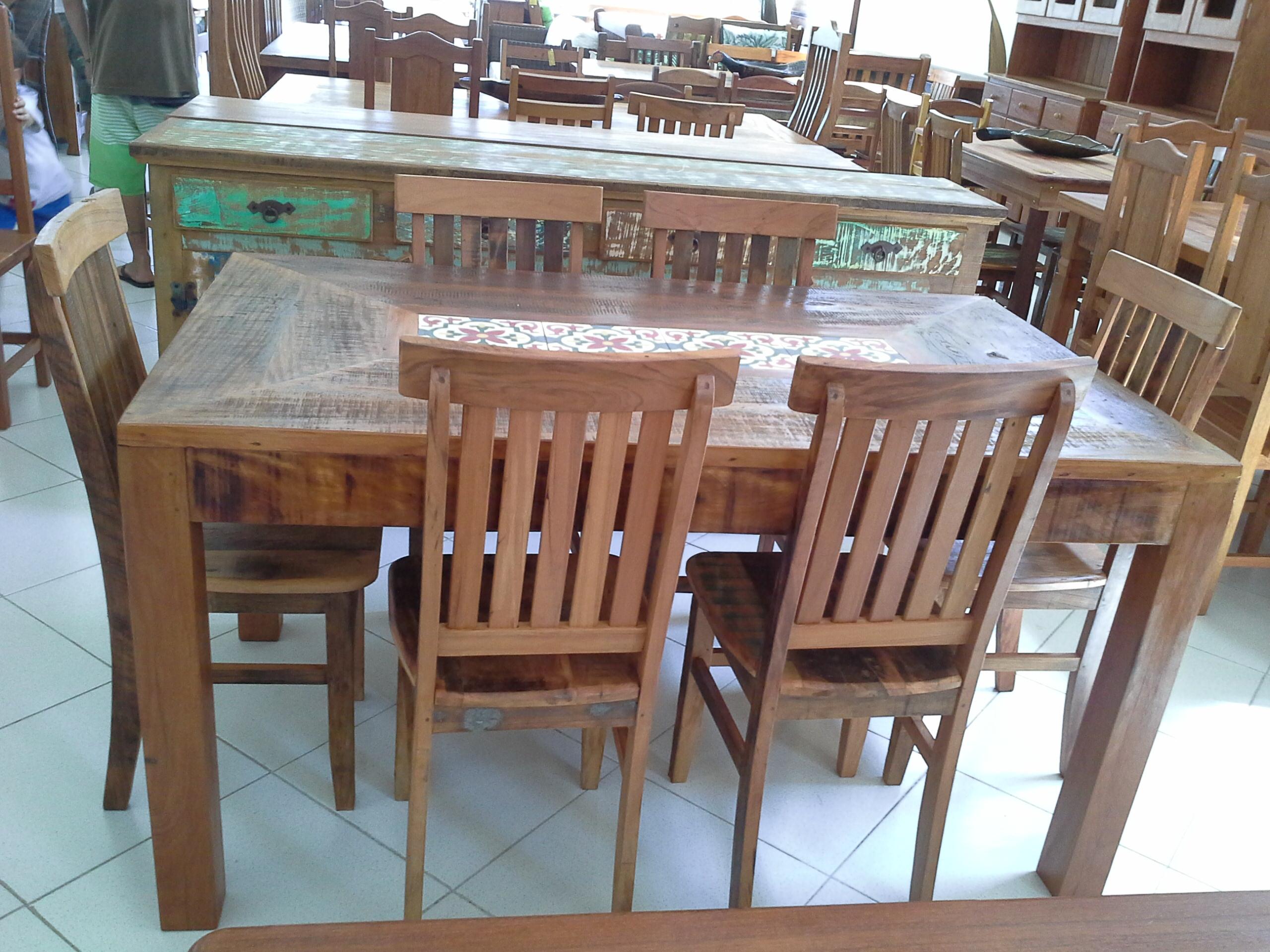 mesa_de_demolição_pé_mocho_e_cadeira_mineiras