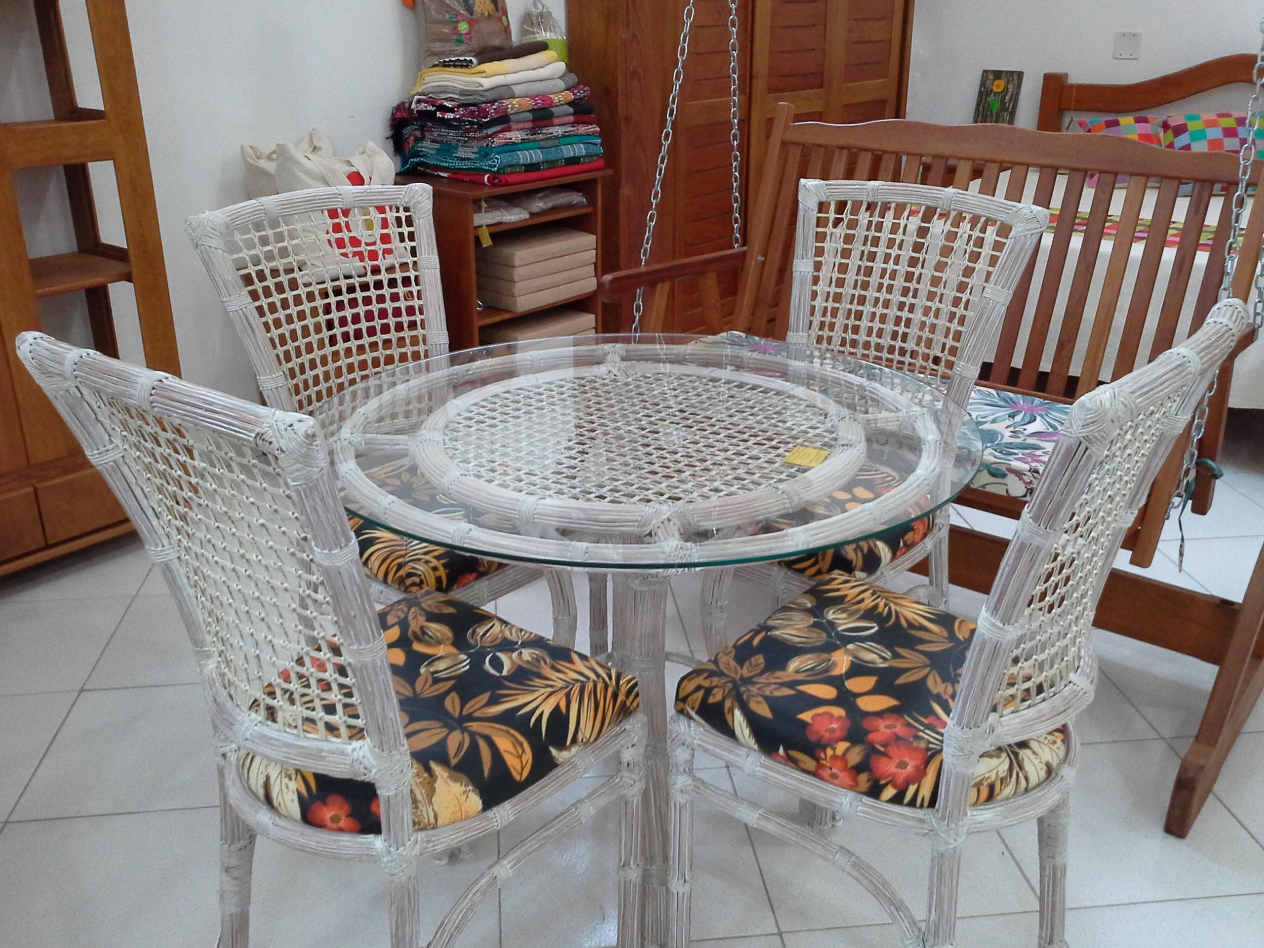 Mesa 4 Arco e Cadeira Miriam