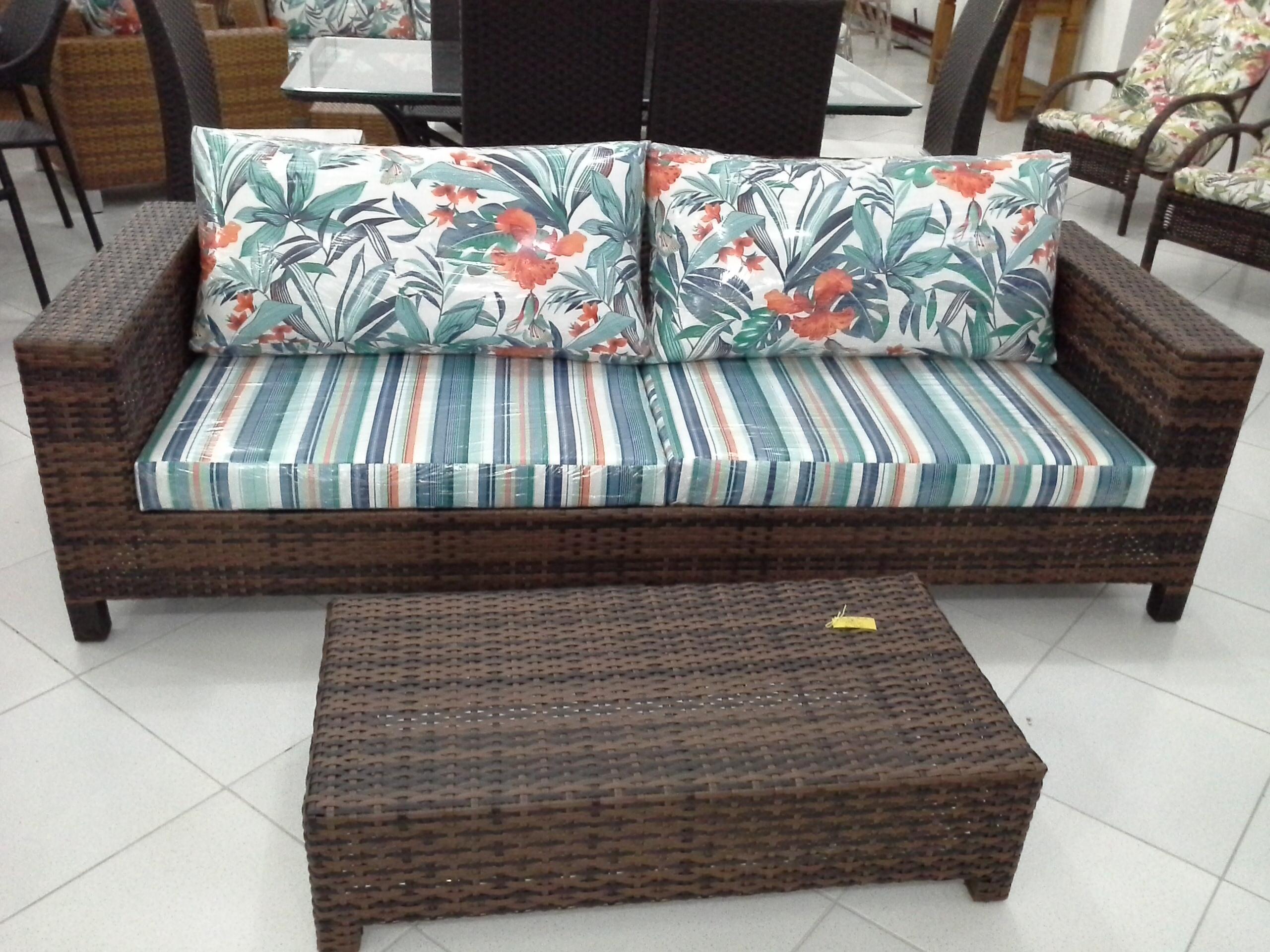 Sofa Tend 3 lugares e Mesa Tend