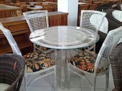 Mesa Arco Baleno Ratan e Cadeira Miriam  Ratan