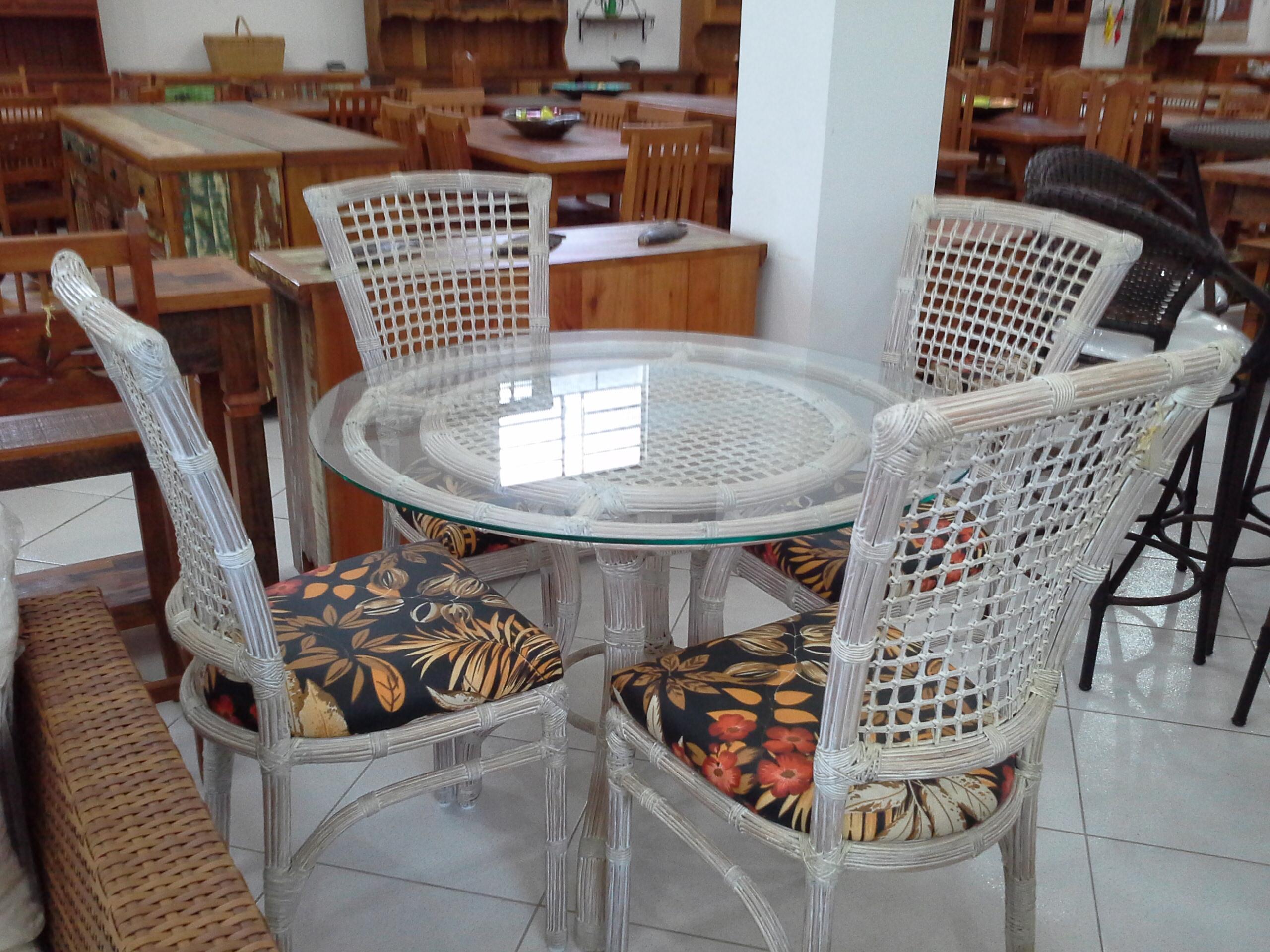 Mesa 4 Arco e Cadeira Miriam Ratan