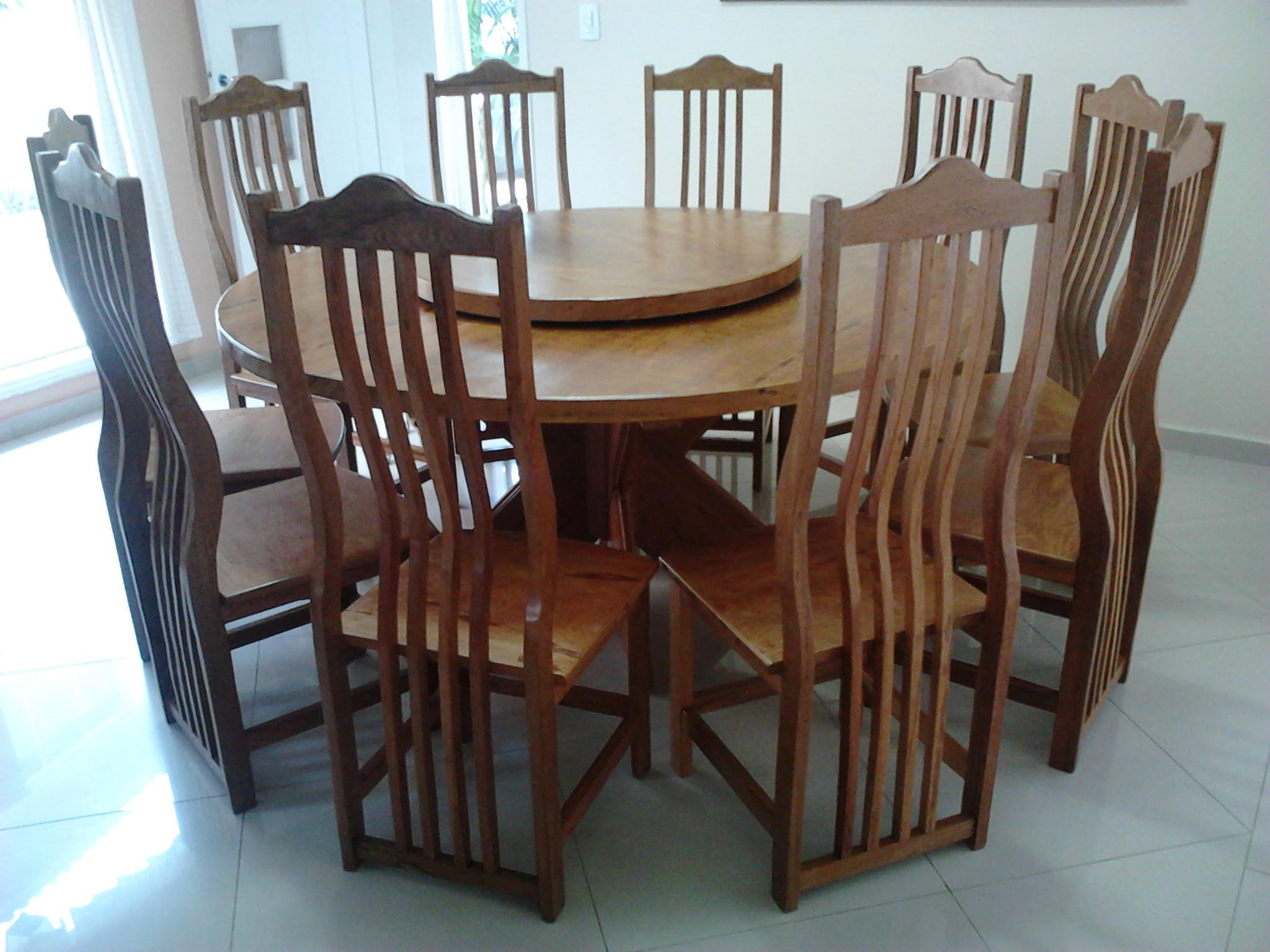 Mesa Redonda com Tampo Giratorio e Cadeiras da Onda (2)
