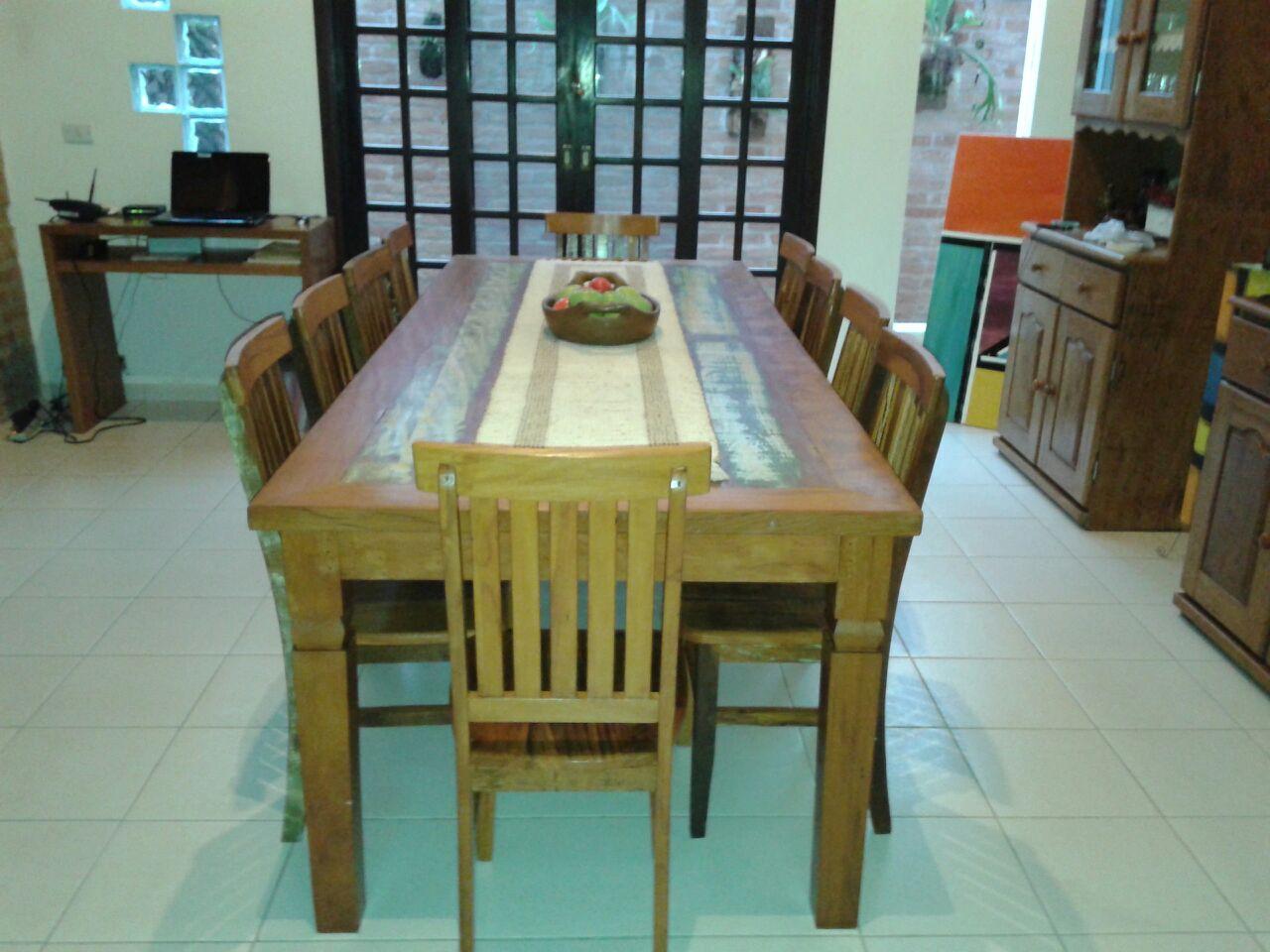 mesa_demolição_com_10_cadeiras_mineiras