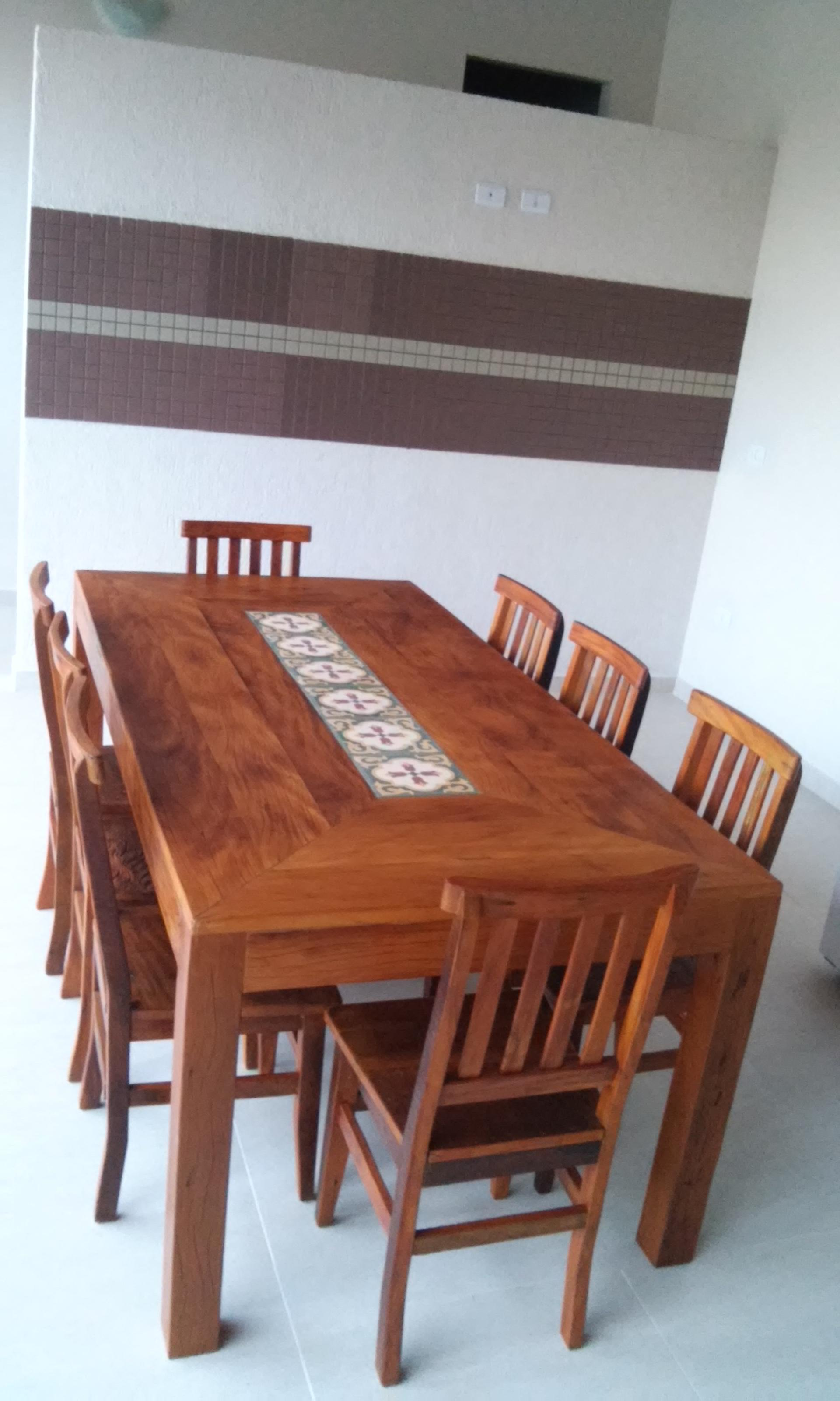 mesa_de_demolição_pé_mocho_com_ladrilho_e_cadeira_mineira