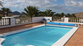 Luxury villa available for Holiday let