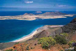 Discover the Island La Graciosa!