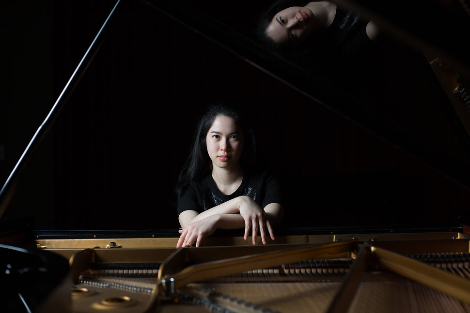 Lucy Zeng piano