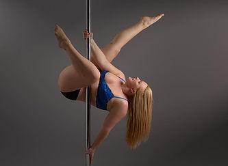 Chrome-Spinners-Pole-Sabrina.jpg