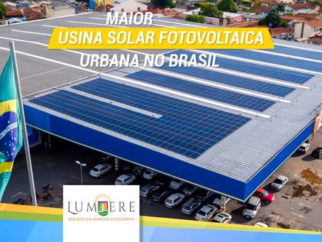 Assaí instala maior usina solar fotovoltaica urbana no Brasil