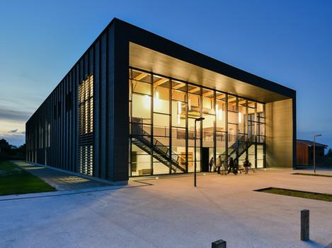 Salle omnisports, Auros
