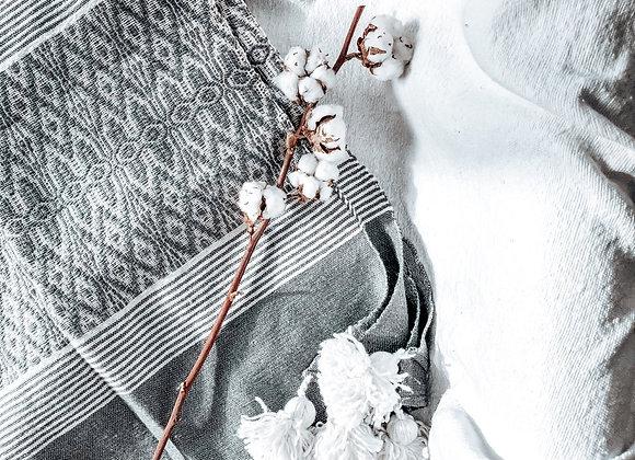 Plaid brodé gris et blanc