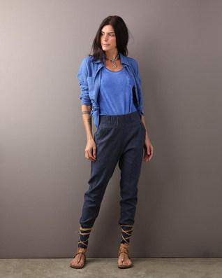 Camisa pinguim linho azul $390 Calça alfaiataria linho marinho $
