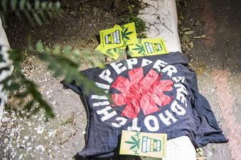 Para a Polícia Militar de SP, camiseta do Red Hot Chili Peppers é prova de crime