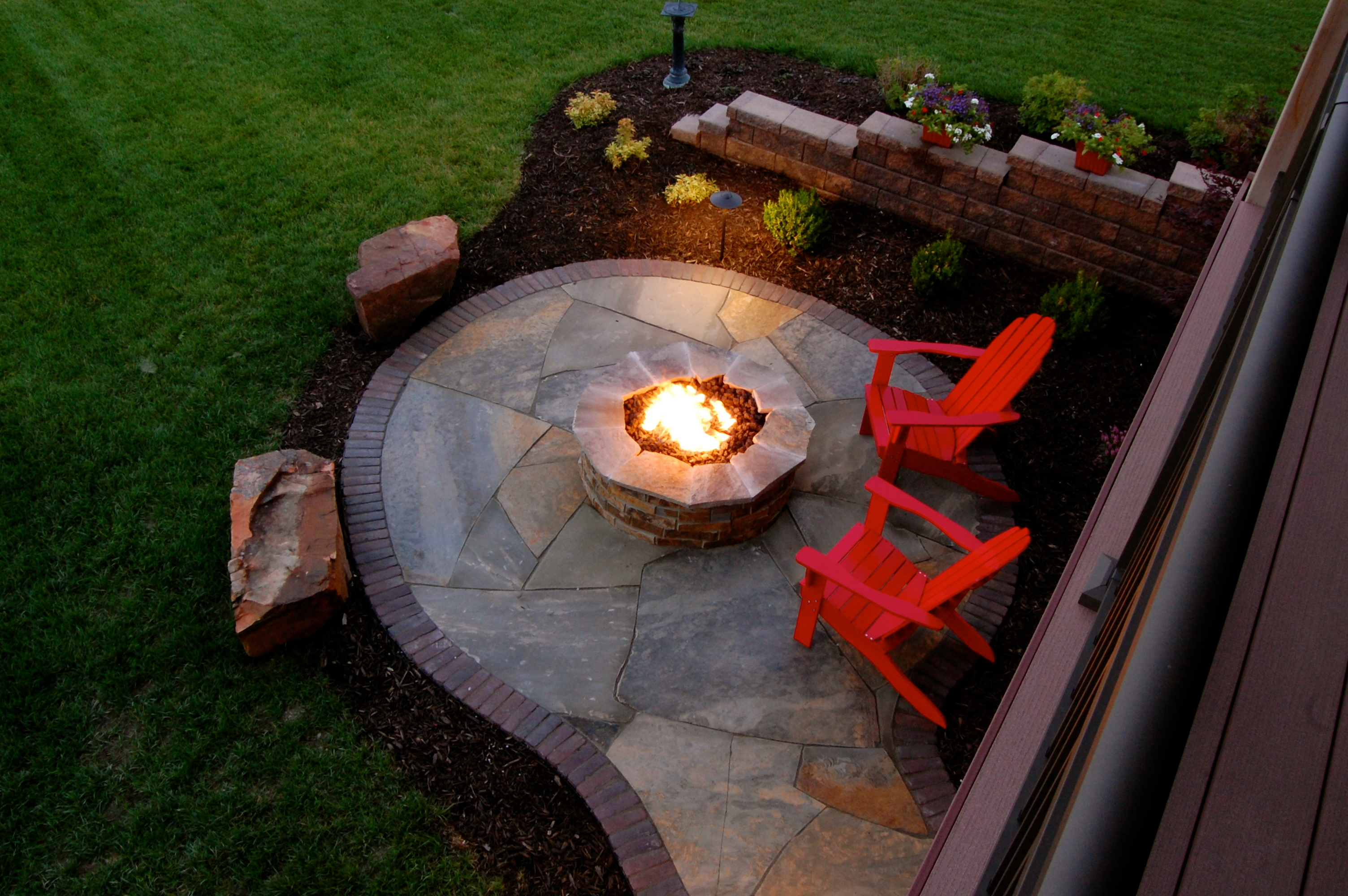 Paver patio, fire pit