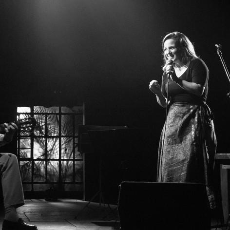 La Nostalgiosa con Juan Falú. Presentación de AIRE, Teatro Hasta Trilce