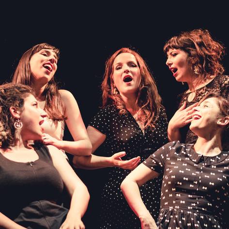 Cantando con La Colmena