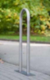 Rundbügel aus Edelstahl als Sperrbügel oder Fahrradanlehnbügel