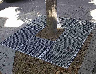 Oberflächenbaumrost als Gitterrost.