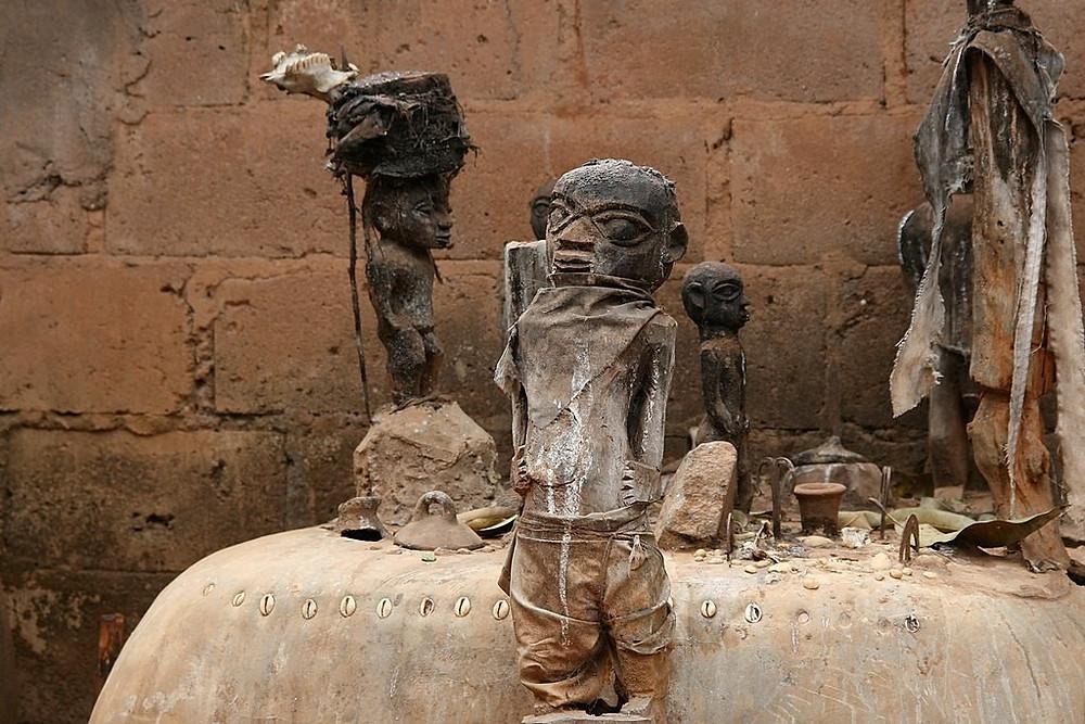 Altar Vodum em Benin (Foto: Dominik Schwarz/Wikimedia Commons)