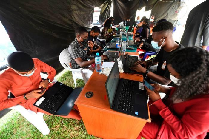 Trabalhadores da saúde em Yaba, Lagos