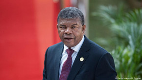 Presidente de Angola diz que Estado perde quase 24 mil milhões dólares