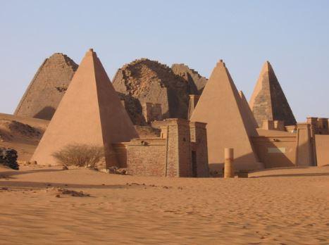 Arquitetura africana: pirâmides do Sudão