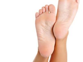 Varför Medicinsk fotvårdsterapi och vad är skillnaden mellan pedikyr och Medicinsk fotvård?