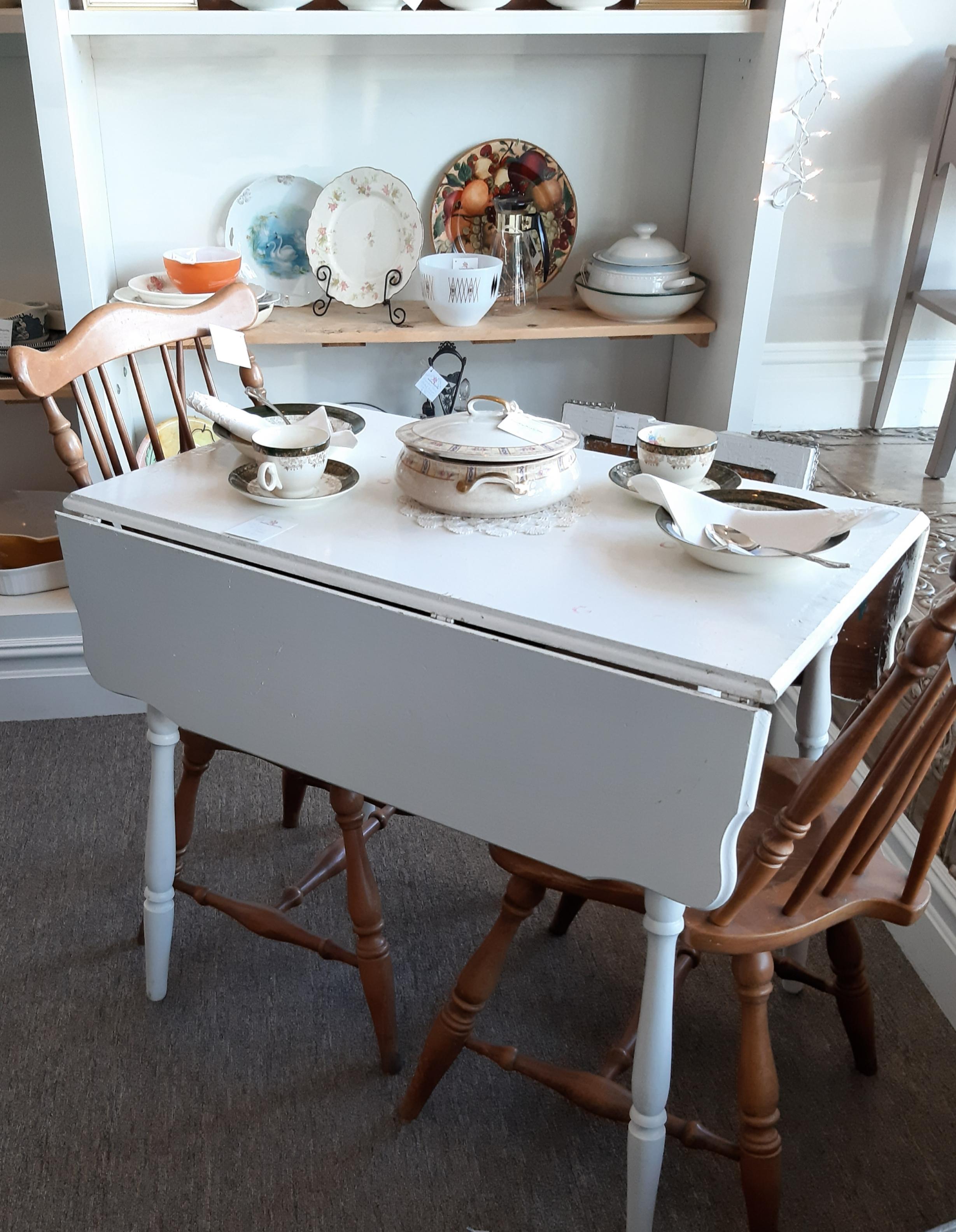 Vintage Cute kitchen table