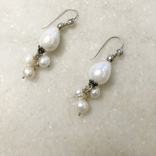 Pearl silver dangle earrings