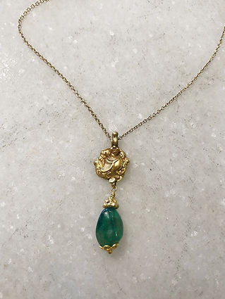 #105 Emerald gold pendant necklace .jpeg