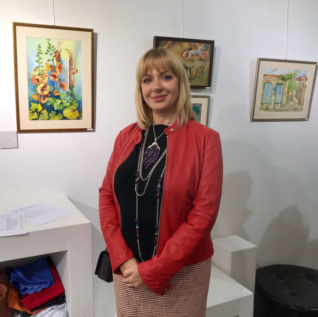 Mila Bond and her paintings