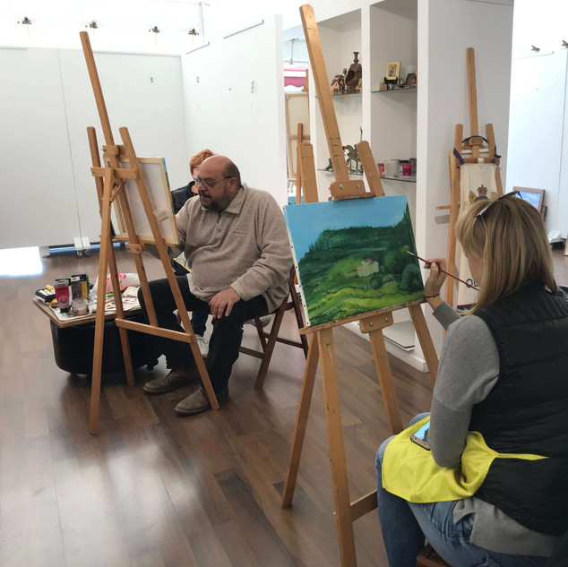 Miho's demonstration during art class for adults