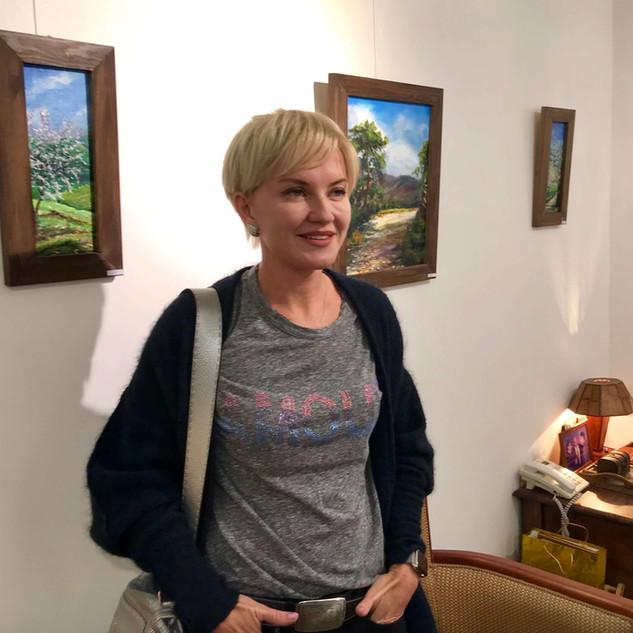 Olga Karlson with her works in MihoArt Gallery