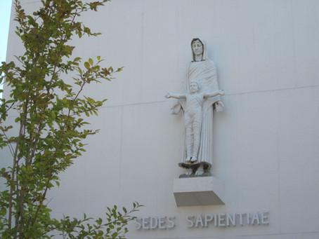 母校で私たちを見守って下さっていたマリア像(聖母子像)は何処に?