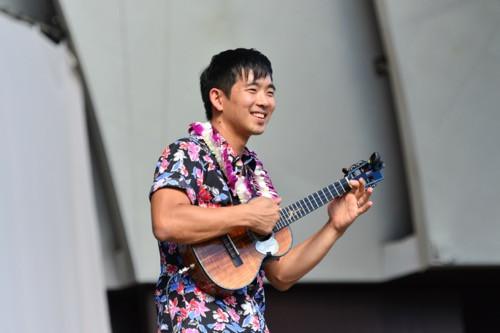 """ウクレレの神様・ジェイクですよ。いいヤツ感が半端ないナイスガイ。演奏の迫力も半端なかったっす(PHOTO/TOMOHITO ISHI""""MARU"""")"""