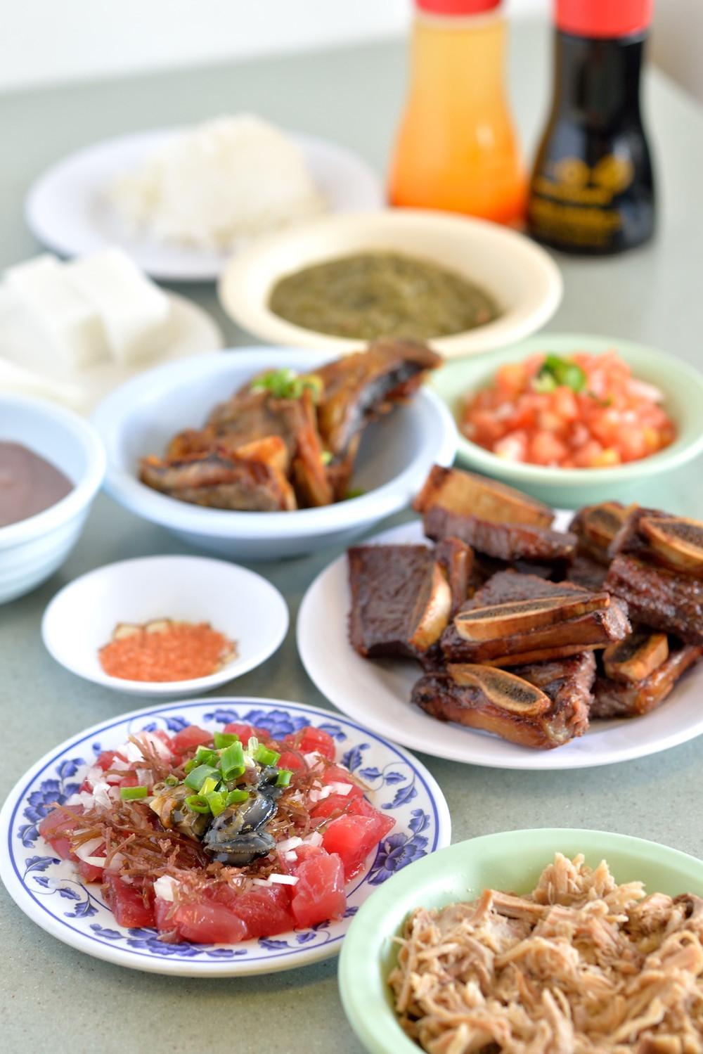Helena's Hawaiian Foodはハワイアン料理の店。定番を組み合わせたセットメニューもあります(PHOTO / Tomohito Ishimaru)