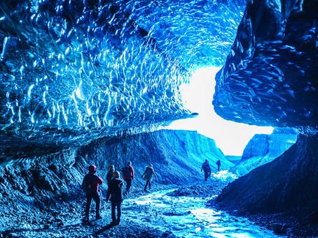 氷の洞窟 〜冬のアイスランドより〜