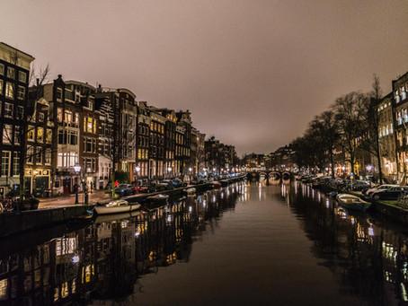 水辺の街・アムステルダム