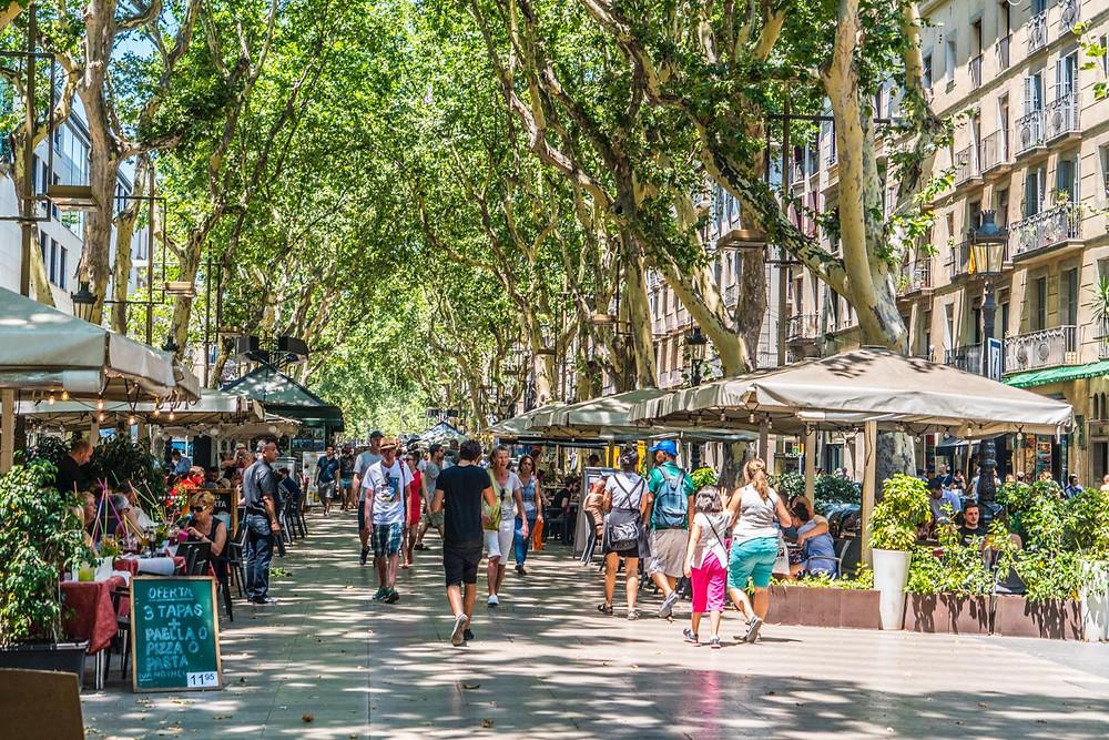 バルセロナの観光客が集まるランブラス通り(PHOTO/Tomohito Ishimaru)