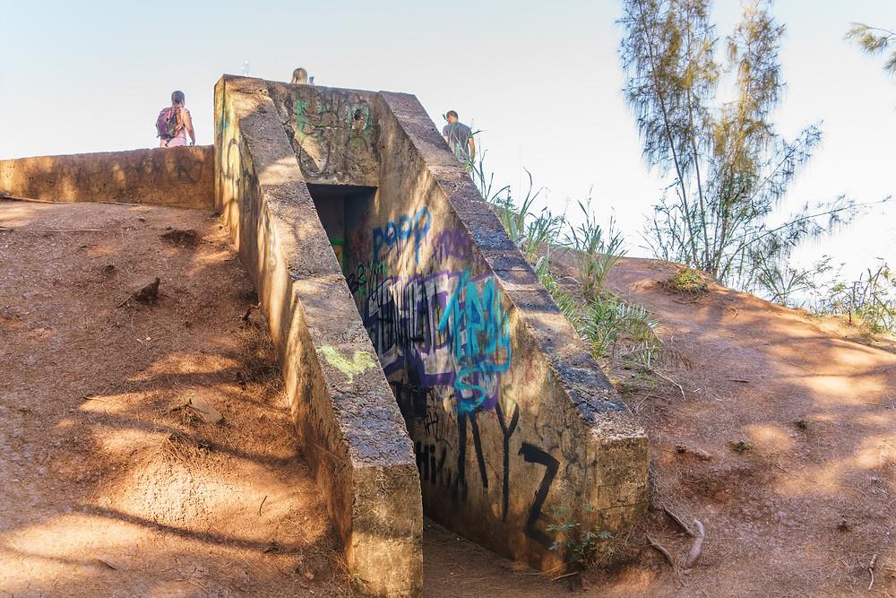 ピルボックスの入り口。かなり立派な感じで古代遺跡のよう (PHOTO/Tomohito Ishimaru)