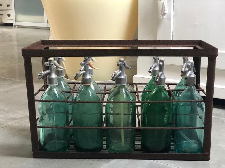 Antiker Syphonflaschenharass mit 10 Syphonflaschen