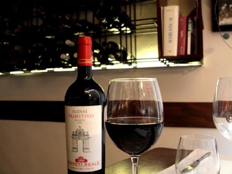 Un bicchiere di vino nel cuore della città