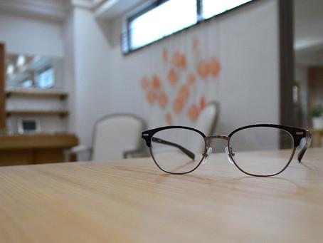 もう迷わない眼鏡選び 好印象を与える大人のオフィス眼鏡って?!
