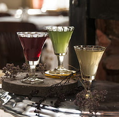 drinks-tincture-color-glass-bright-light