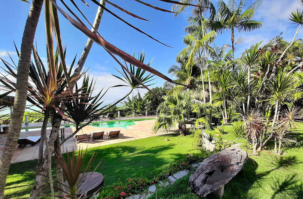 hotel com piscina vista mar